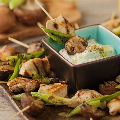 Chicken Skewers with Mushrooms and Green Onions | Pasolivo